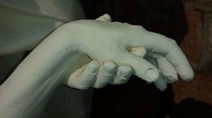 hands-683950_960_720